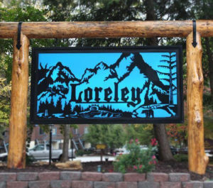 Close up of sign at entrance to Loreley Resort